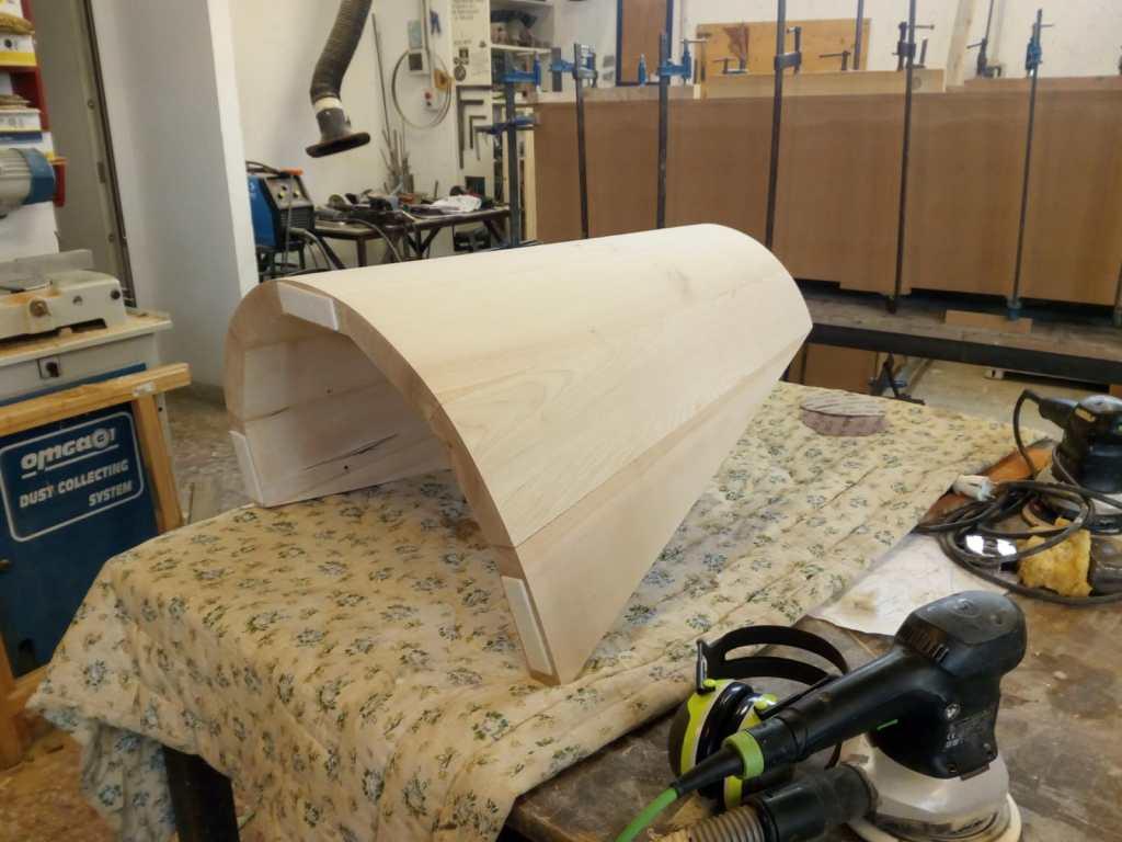 gamba per tavolo legno massello acero cucina hi-tech