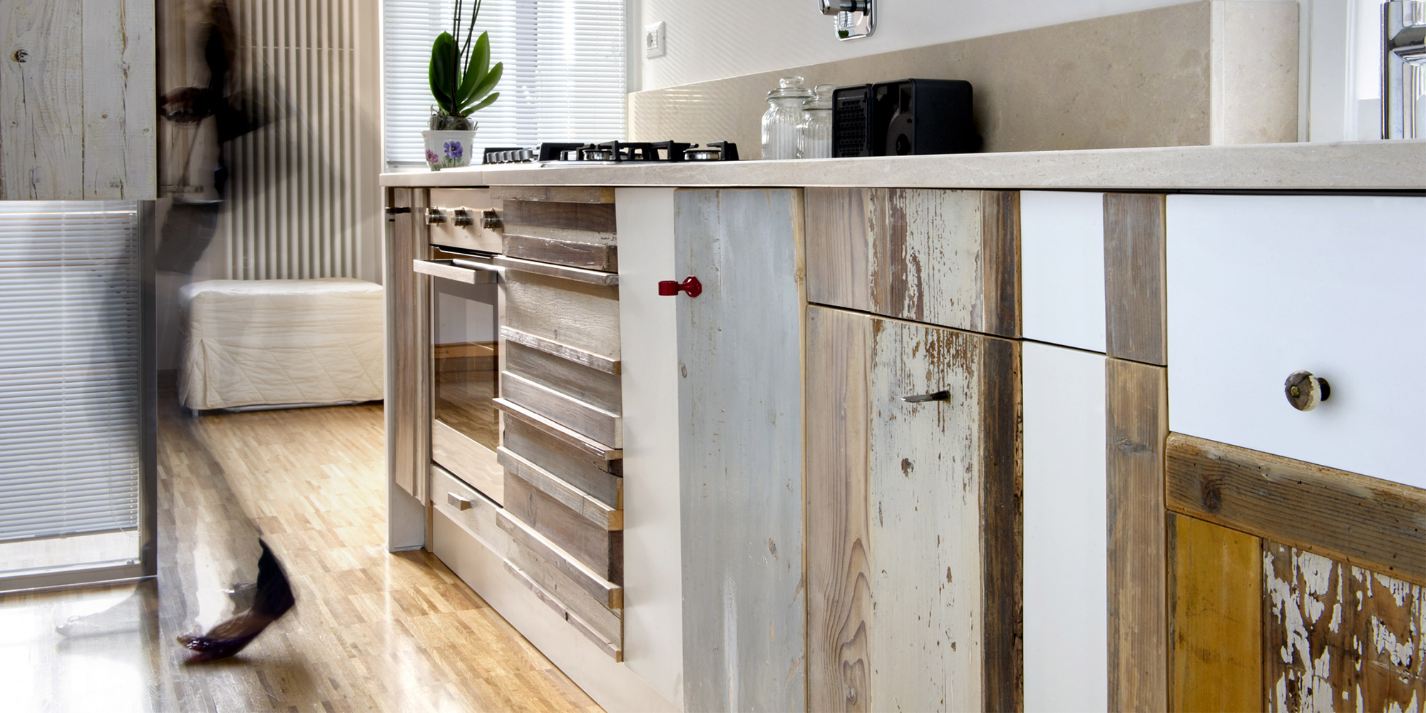 cucine su misura in legno massello vintage e nuovo
