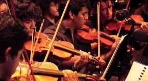 Tuba, trombón, contrabajo, 3 sonidos, 3 personas, que nos ayudan a entender qué es el Sistema de Coros y Orquestas en la quinta entrega de Nómadas en la Casa