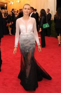 Naomi Watts em Givenchy