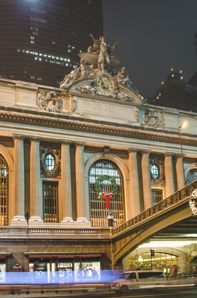 NYC Night Time | NYC Grand Central Station by Lara Photography