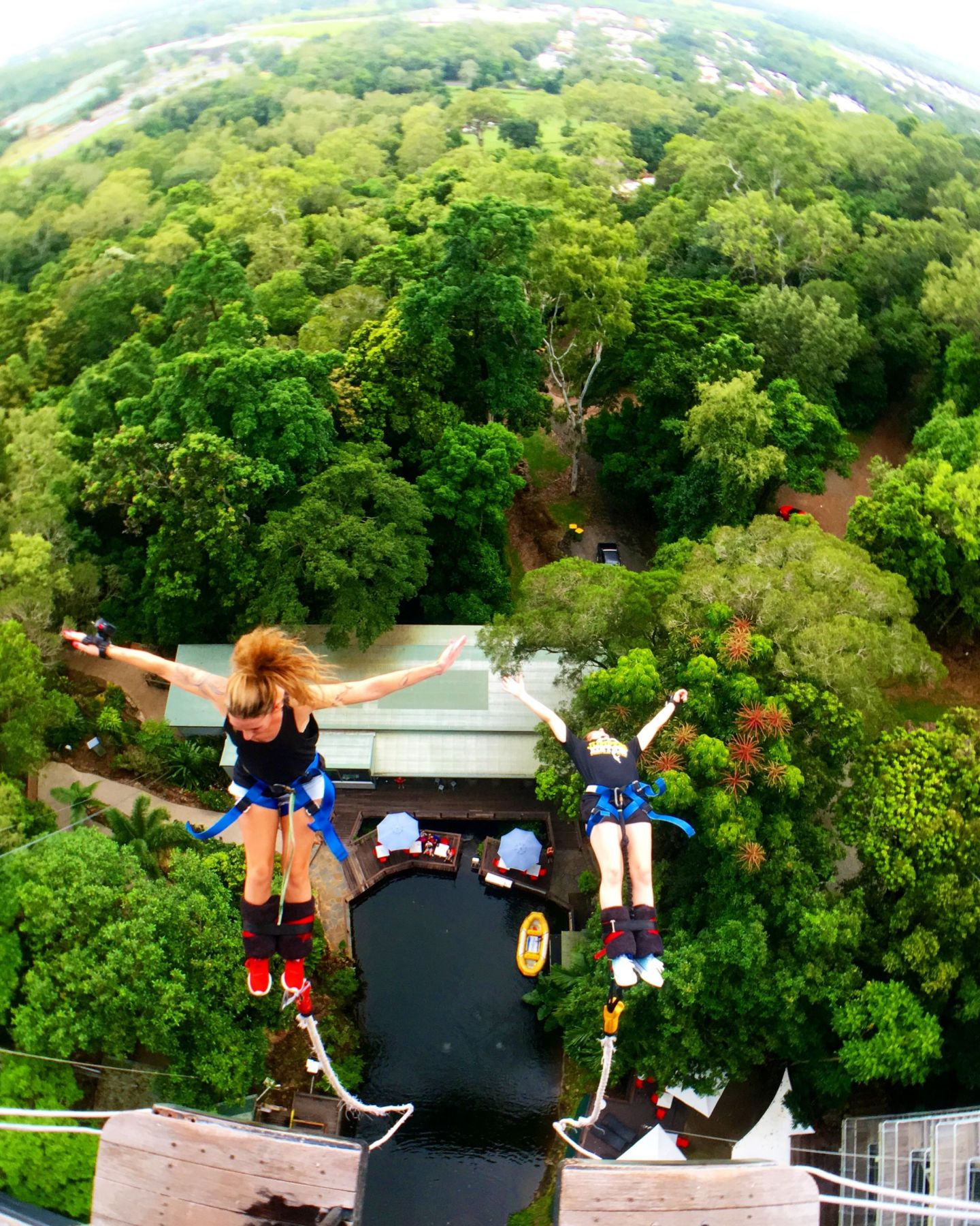 Hitting my 10th bungy jump in 10 years (and reminding myself I only live once!) 🙌