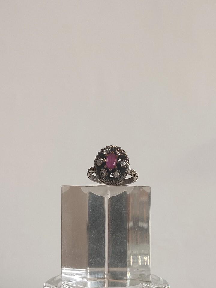anillo-isabelino-rojo-redondo-2-AUREA