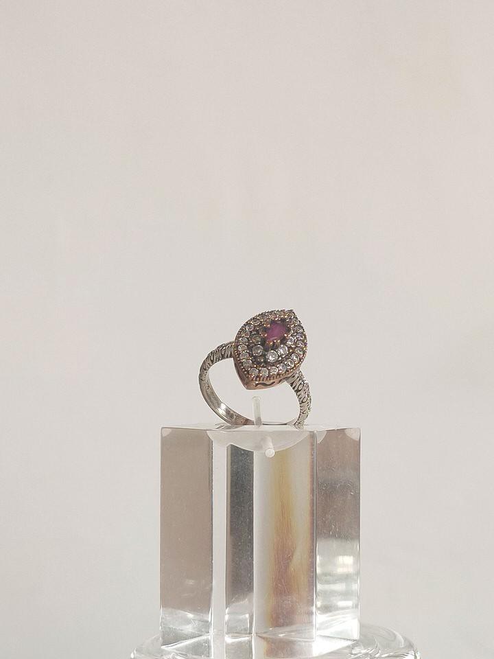 anillo-isabelino-rojo-rombo-2-DARIA.