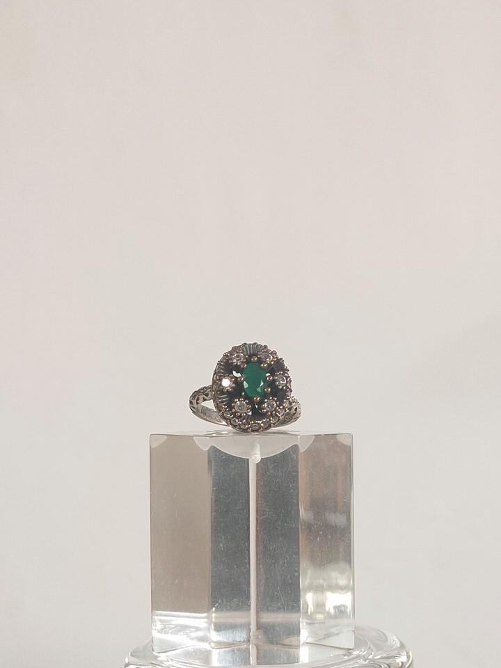anillo-isabelino-verde-redondo-2-CALISTA