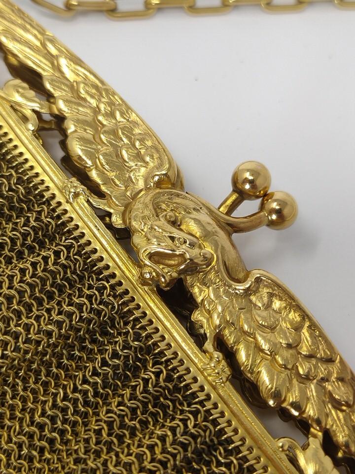 bolso-dorado-fiesta-detalle