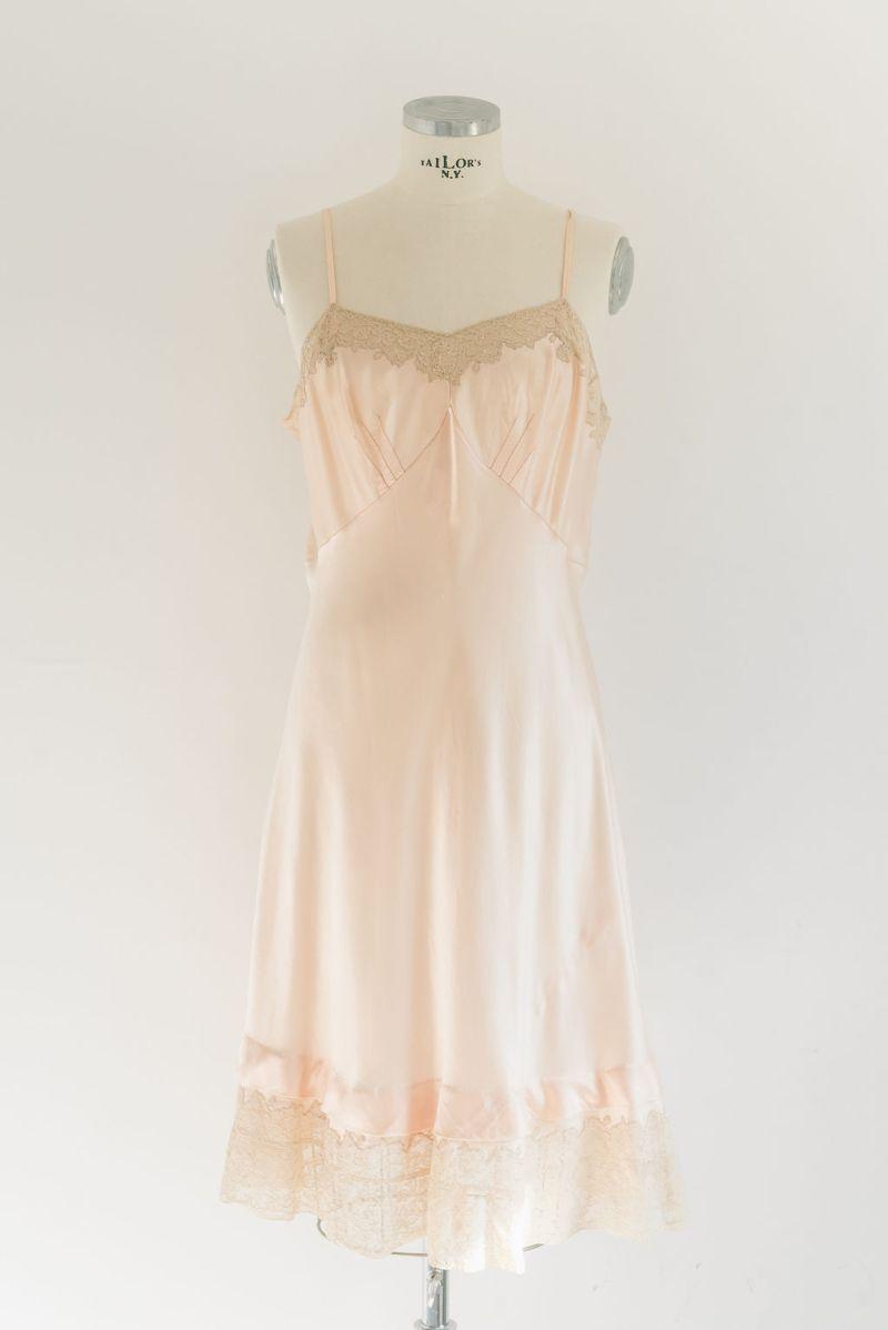 vestido-corto-raso