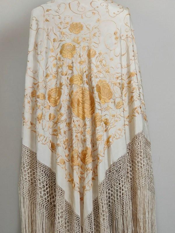 antique-isabeline-piano-shawl