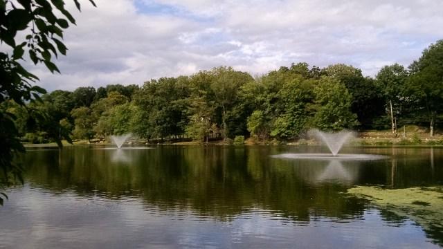 fountains beechmont lake