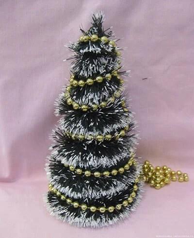 Мишурадан Жаңа жыл үшін Рождество шыршасы: elka iz mishury 8 құрудың әртүрлі тәсілдері