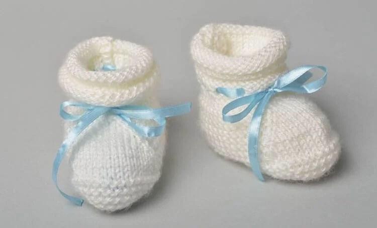 Пинетки для новорожденных малышей спицами: что можно связать для первой обуви малышам pinetki spicami s opisaniem i skhemami 62