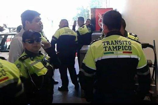 Fuera los agentes de tránsitos reprobados