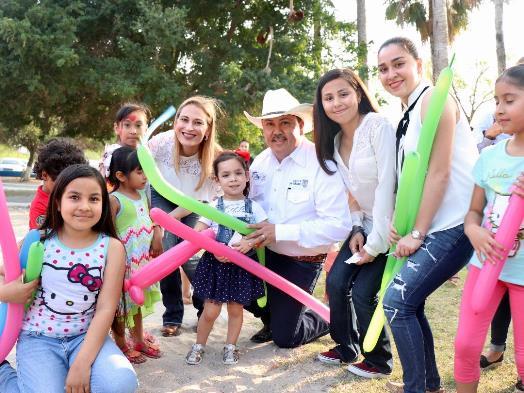 Festejan ayuntamiento y DIF Día de la Familia