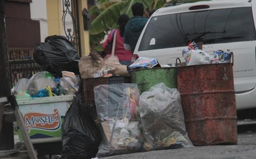 Empieza municipio a multar a quien tire basura en la calle