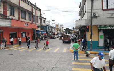 Pacientes con COVID-19 no respetan cuarentena: alcalde