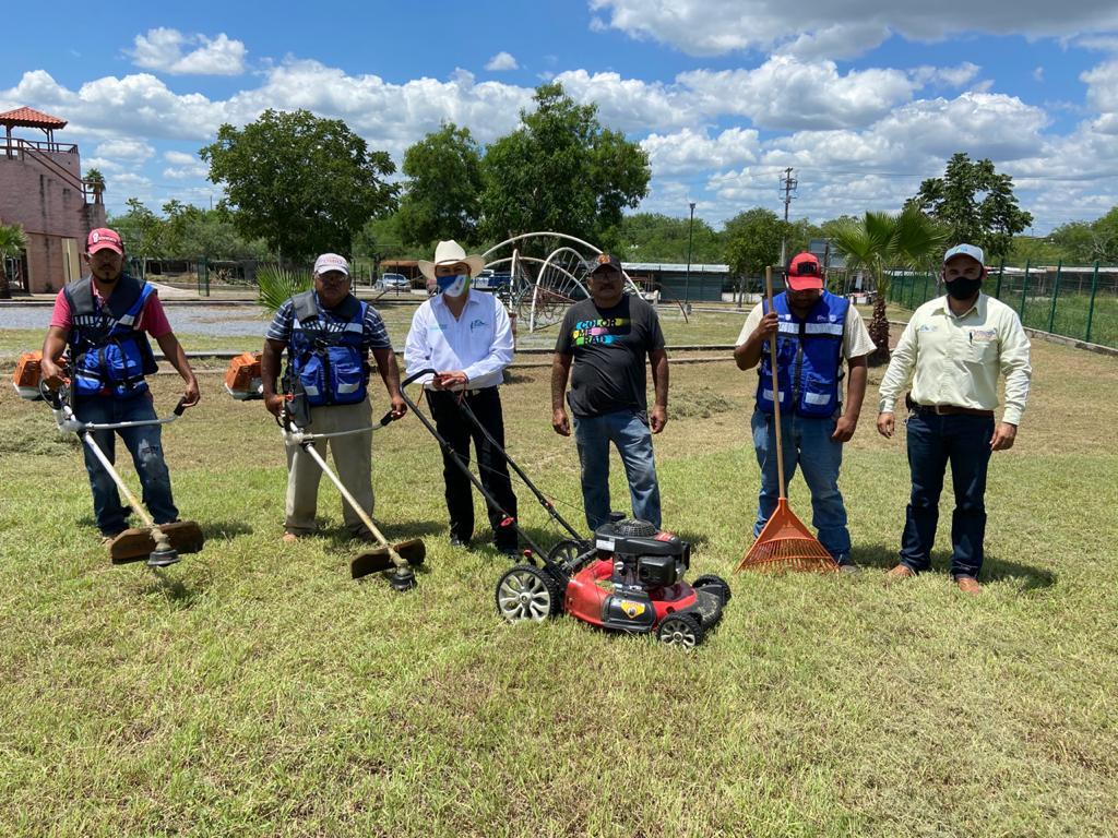 Realiza ayuntamiento limpieza de parques, jardines y calles en la ciudad