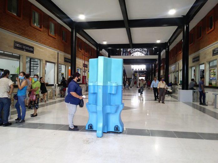Refuerzan filtros sanitarios en nuevo mercado municipal
