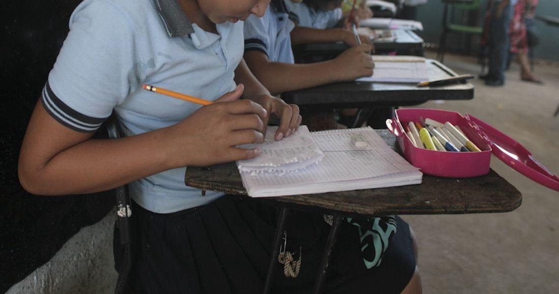 Alumnos rurales batallan por falta de internet