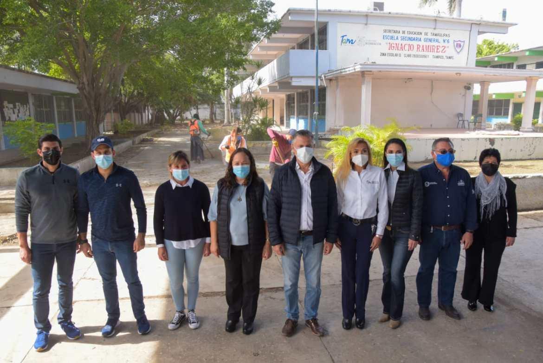 Realizan jornada de limpieza en planteles escolares del municipio