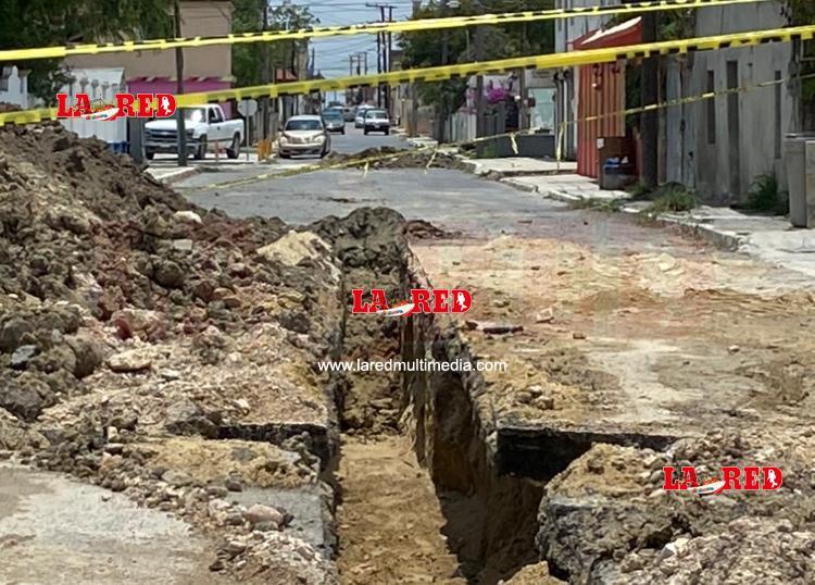 Inician trabajos de rehabilitación de drenaje en calle Juárez de zona centro
