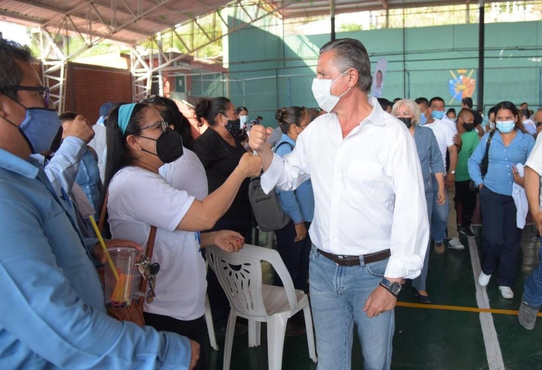 Respalda sindicato de COMAPA reelección de Chucho Nader