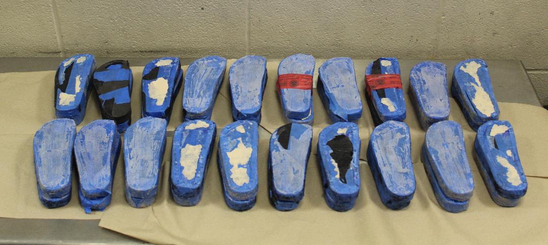Localizan metanfetamina en suelas de chanclas o sandalias