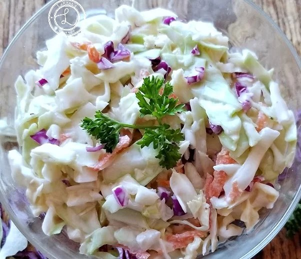 Coleslaw with a little red cabbage