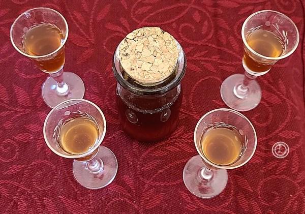 4 glasses of Liqueur