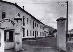 Porta d'entrada a la Farga Casanova.