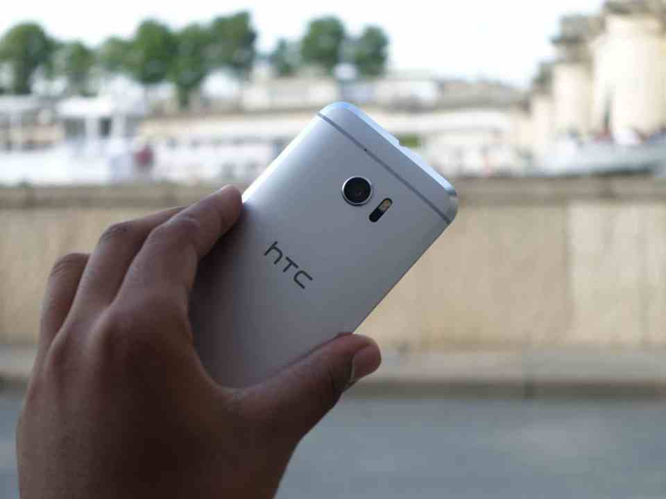 htc 10 smartphone premium haut de gamme one M10 test review prise en main hands on la revue tech sense 8 snapdragon 820 4 Go RAM 3 000 mAh