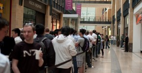 Queue for the Apple 4