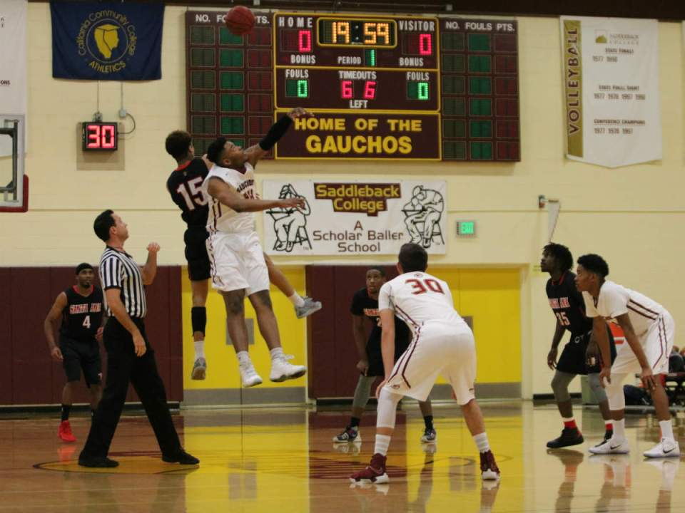 Gauchos Center Breaon Brady starts the game for the Saddleback Gauchos in their showdown with Santa Ana College (Courtesy of Colin Reef)