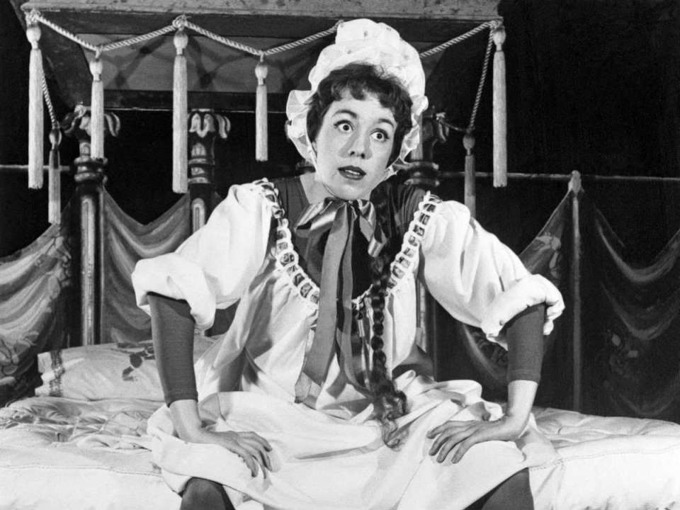 "Carol Burnett stars in Hans Christian Andersen's ""Once Upon A Mattress"" (Colin Reef/Wikimedia Commons)"