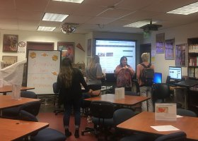 Karyn Bower, an intrustor in the journalism and CTVR departments, talks about career possibilities in multimedia journalism at one of the #TrendingNow workshops organized by the Saddleback College Career Center. (Christine Lam)