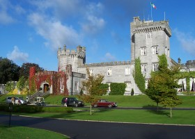 Dromoland Castle (Srleffler at English Wikipedia)