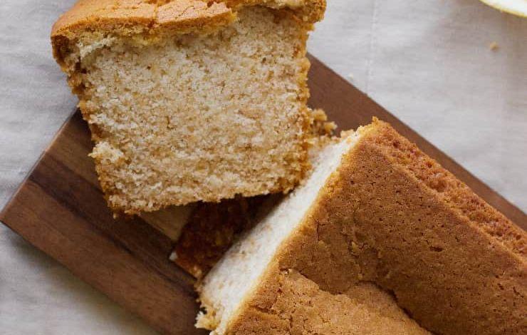 Una torta soffice al limone semplice e buona