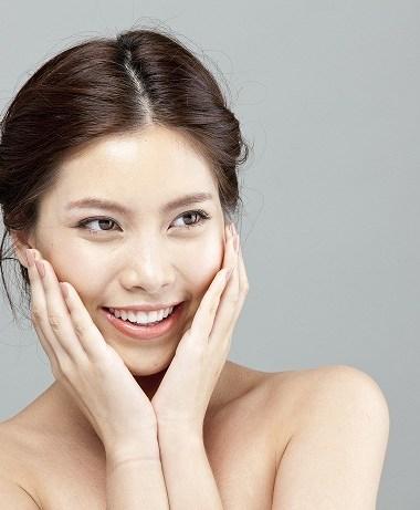 Ini Manfaat Facial Treatment Untuk Usia 40-an, Tetap Cantik Walau Usia Bertambahlasan Kenapa Kamu Wajib Perawatan Ke Klinik Kecantikan