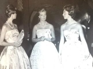 Le principesse di Svezia Margaretha, Brigitta e Desirée accompagnate da Mimosa Parodi Delfino (sulla destra).
