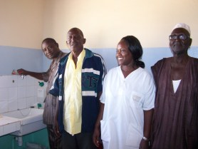 Les élus constatent l'adduction d'eau au poste de santé de Saré-Yoba