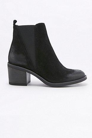 Boots Suri 60€ (110€)