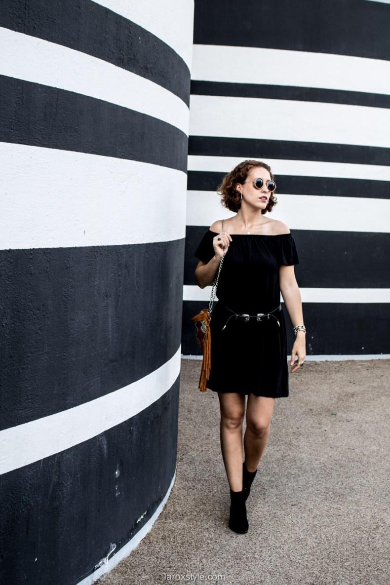 robe noire - ceinture double boucles - blog mode lyon