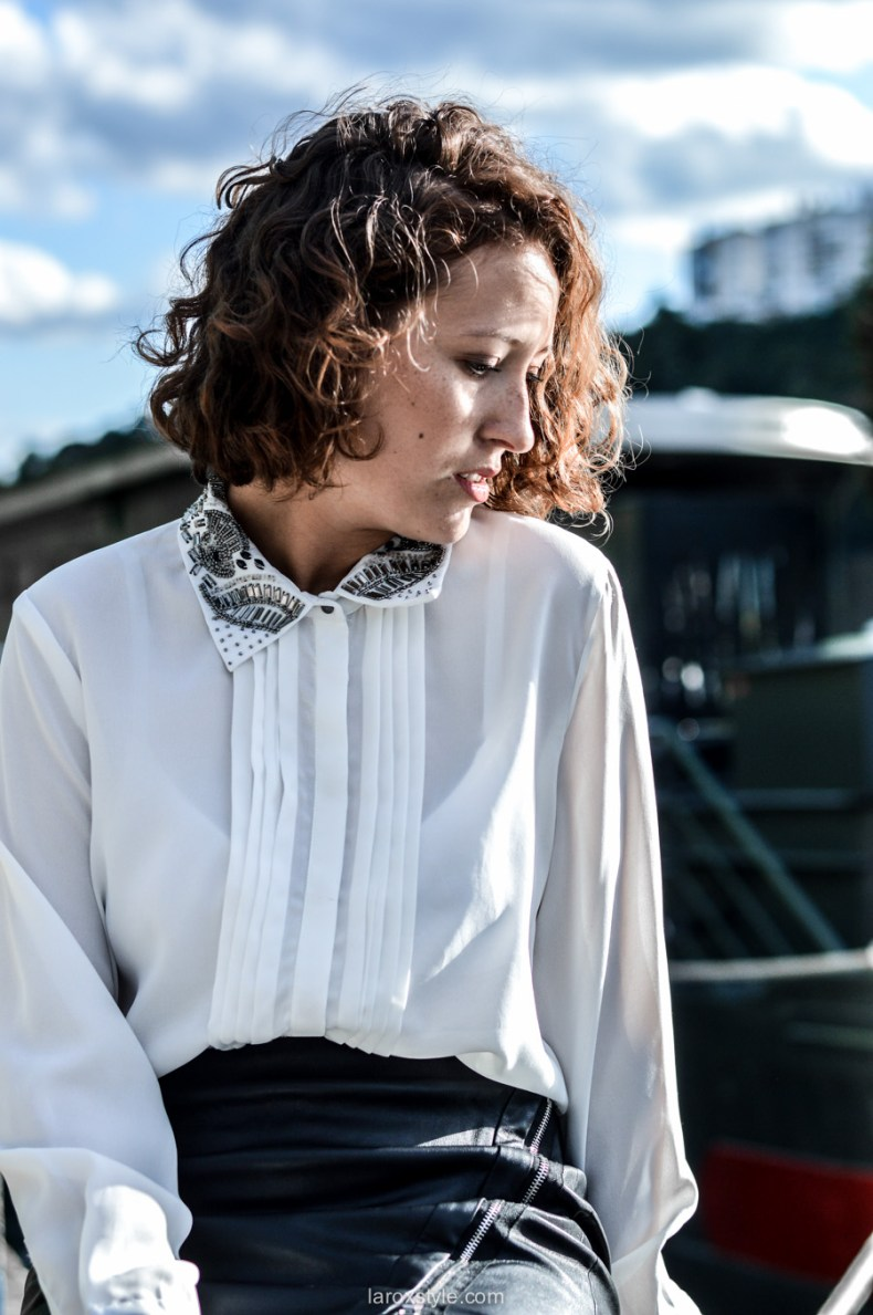 look working girl - jupe simili cuir - chemise strass - laroxstyle blog mode lyon-11