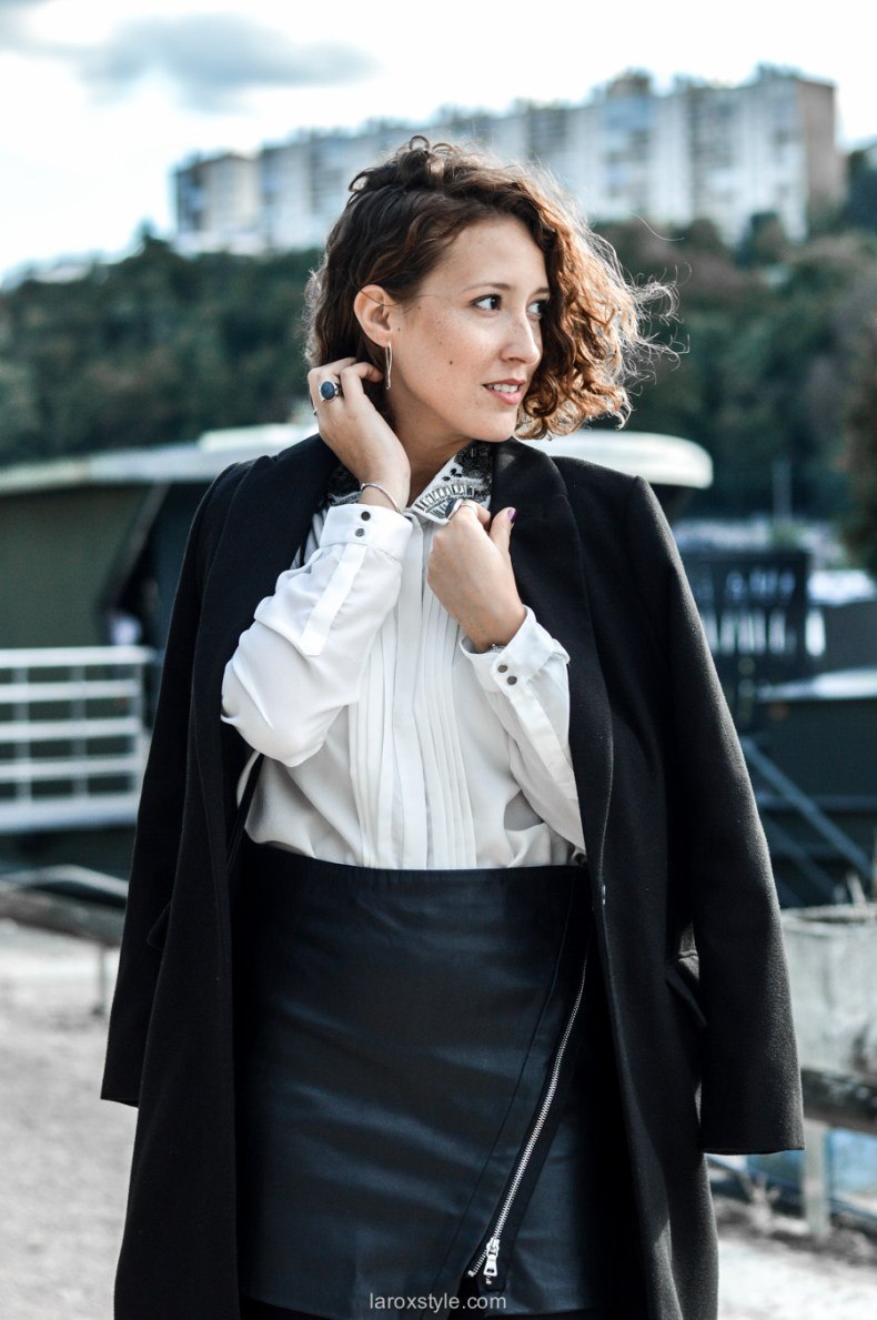 look working girl - jupe simili cuir - chemise strass - laroxstyle blog mode lyon-9