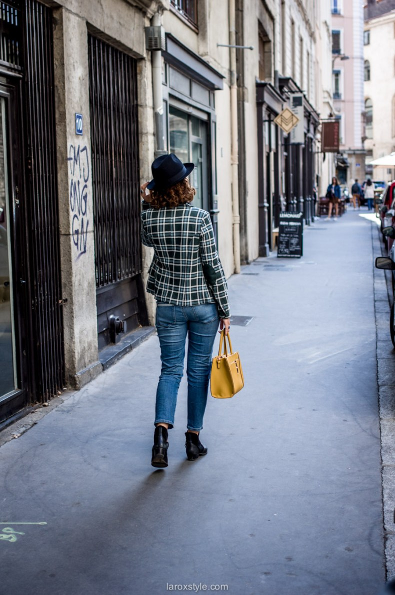 veste a carreaux - look jean troue - laroxstyle blog mode lyon