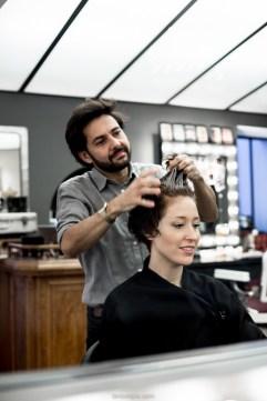 coupe courte cheveux boucles - coiffeur la loge lyon - blog laroxstyle -30