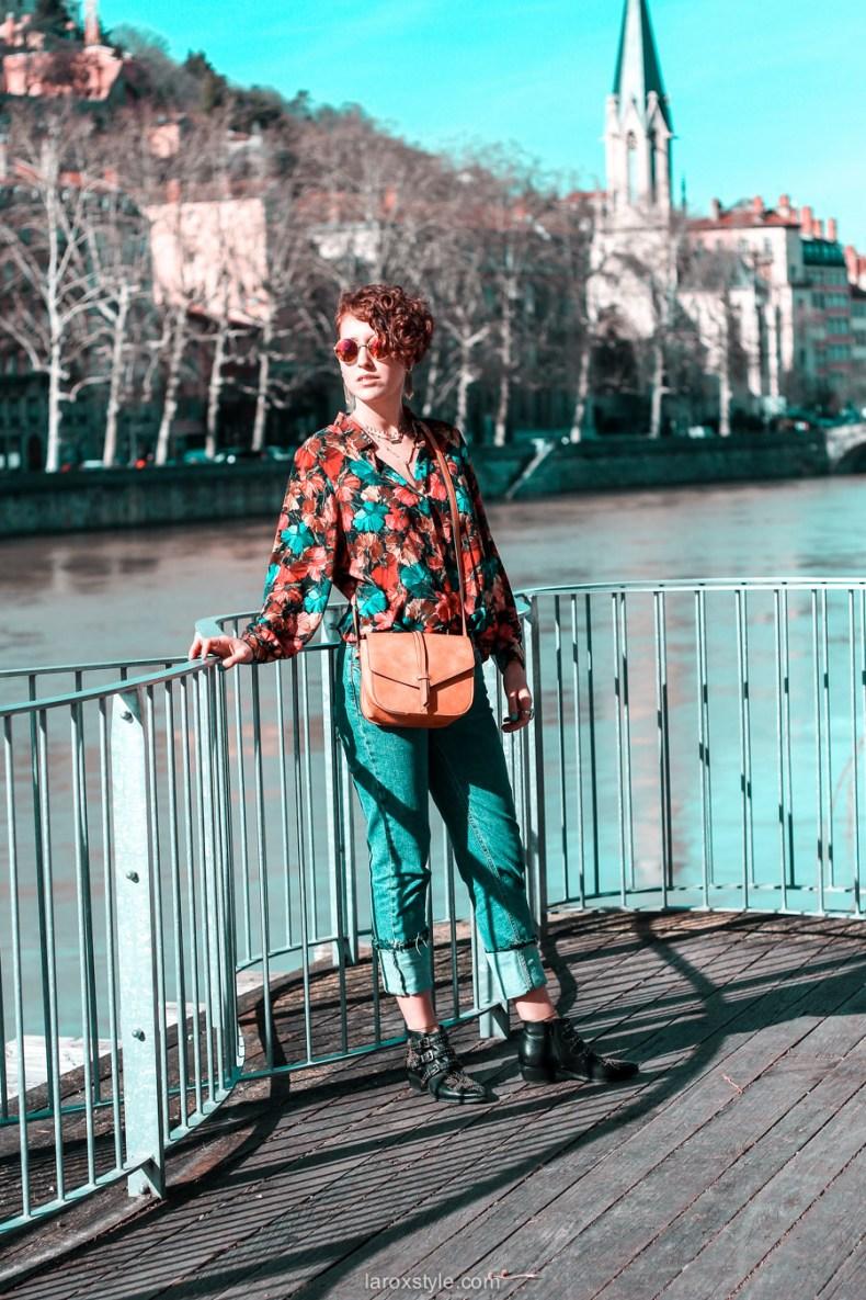look chemise a fleurs - look rock - jean 7 8 - boots clous - blog mode lyon-5