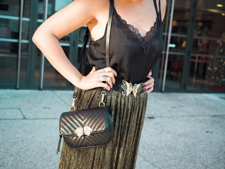 blog mode look de fêtes dentelles et jupe paillettes