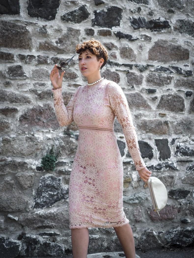 1630f0f728b ... blog mode quelle robe pour un mariage quelles tenues pour une invitee a  un mariage - robe moulante dentelles