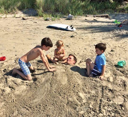 Tom-Brady-buried-sand