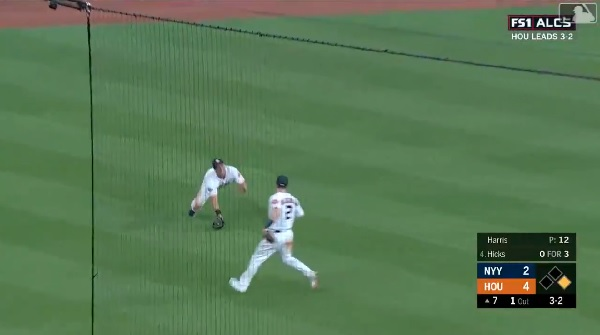 Watch: Michael Brantley starts massive double play with diving catch in Game 6